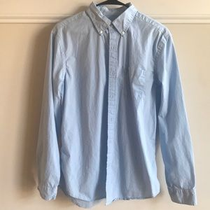 American Eagle blue button down shirt medium